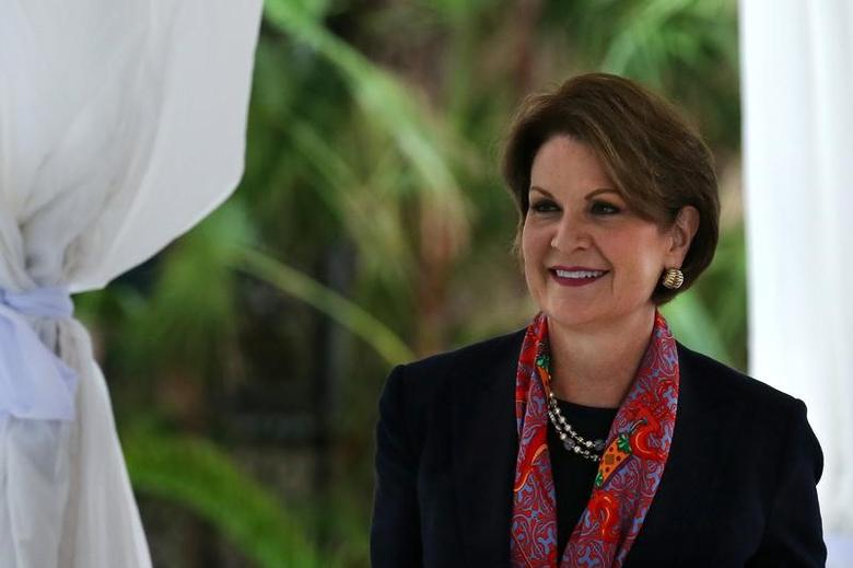 Lockheed Martin CEO Marillyn Hewson arrives for a meeting with U.S. President-elect Donald Trump at Mar-a-Lago estate in Palm Beach, Florida, U.S., December 21, 2016. REUTERS/Carlos Barria