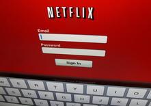 Logo do Netflix exibido em um iPad. 19/04/2013 REUTERS/Mike Blake