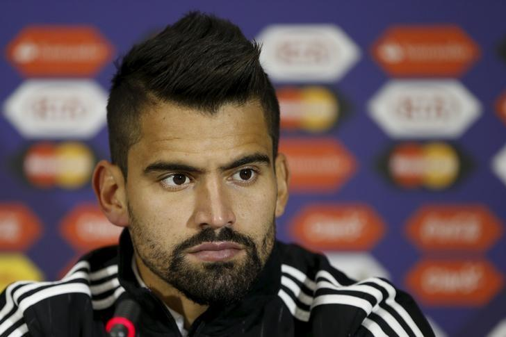 Venezuela's Tomas Rincon attends a news conference ahead of the Copa America tournament at El Teniente stadium, in Rancagua, Chile, June 13, 2015. Venezuela is playing on the Group C matches along with Colombia, Brazil and Peru during the Copa America 2015 in Chile. REUTERS/Carlos Garcia Rawlins