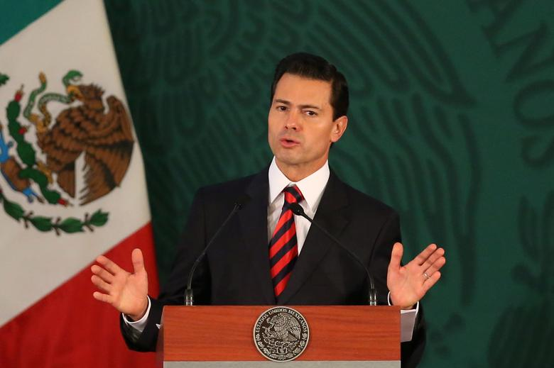 Mexico's President Enrique Pena Nieto delivers a speech during the 41st session of the National Public Security Council at National Palace in Mexico City, Mexico, December 20, 2016. REUTERS/Edgard Garrido