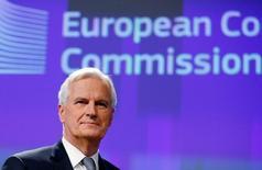 """El negociador del Brexit de la UE, Michel Barnier, durante una conferencia de prensa en Bruselas, December 6, 2016.  El negociador de la Unión Europea para el """"Brexit"""", Michel Barnier, dijo el sábado que la UE necesitará una """"vigilancia especial"""" a la hora de permitir que las empresas financieras británicas accedan al bloque, debido al gran riesgo que podría suponer Londres para la estabilidad financiera de la UE. REUTERS/Francois Lenoir"""