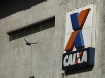 Logotipo da Caixa Econômica Federal no centro do Rio de Janeiro 20/08/ 2014. REUTERS/Pilar Olivares
