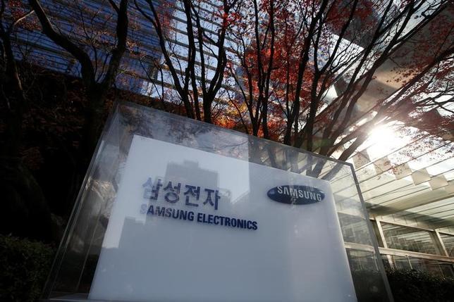 2月2日、韓国のサムスン電子が米国内に家電工場の建設を検討していることが分かった。事情に詳しい関係者が、ロイターに明らかにした。韓国ソウルの同本社で昨年11月撮影(2017年 ロイター/Kim Hong-Ji)