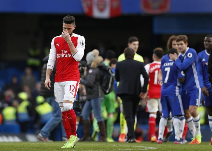 Britain Football Soccer - Chelsea v Arsenal - Premier League - Stamford Bridge - 4/2/17 Arsenal's Olivier Giroud looks dejected at the end of the match  Action Images via Reuters / John Sibley Livepic