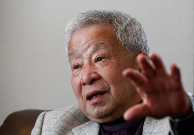2月6日、榊原英資・青山学院大学教授(元財務官)は、ロイターとのインタビューでトランプ政権がドル安を志向しているため、米利上げは今年、2─3回程度にとどまりそうだとの見方を示した。写真は都内で撮影(2017年 ロイター/Kim Kyung Hoon)