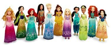 En la imagen, muñecas de princesas de Disney hechas por Hasbro.Hasbro Inc, el segundo fabricante de juguetes más grande de Estados Unidos, reportó un ingreso trimestral récord ayudado por una fuerte demanda de las muñecas de las princesas de Disney y los juegos de mesa, lo que disparó los papeles de la compañía un 17 por ciento a un máximo histórico. REUTERS/Hasbro/Handout via Reuters