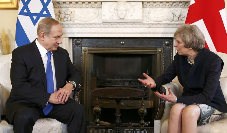 Israel's Prime Minister Benjamin Netanyahu meets Britain's Prime Minister Theresa May at 10 Downing Street, in London, February 6, 2017.   REUTERS/Peter Nicholls