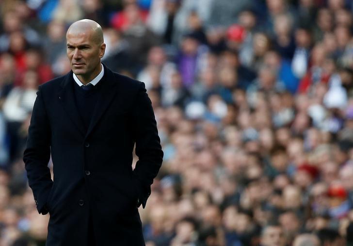 Football Soccer - Real Madrid v Malaga - Spanish La Liga Santander - Santiago Bernabeu stadium, Madrid, Spain - 20/01/17. Real Madrid's manager Zinedine Zidane. REUTERS/Javier Barbancho