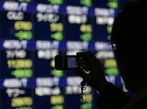 La Bourse de Tokyo a fini lundi en hausse de 0,41%. L'indice Nikkei a gagné 80,22 points à 19.459,15. /Photo d'archives/REUTERS/Michael Caronna
