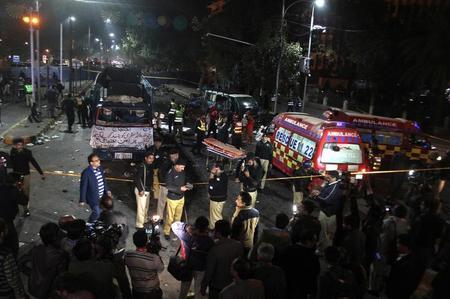 مقتل ما لا يقل عن عشرة في انفجار بمدينة لاهور الباكستانية