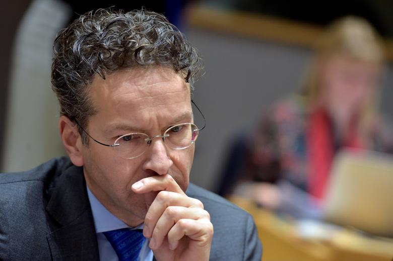 Dutch Finance Minister and Eurogroup President Jeroen Dijsselbloem looks down during a eurozone finance ministers meeting in Brussels, Belgium, January 26, 2017. REUTERS/Eric Vidal
