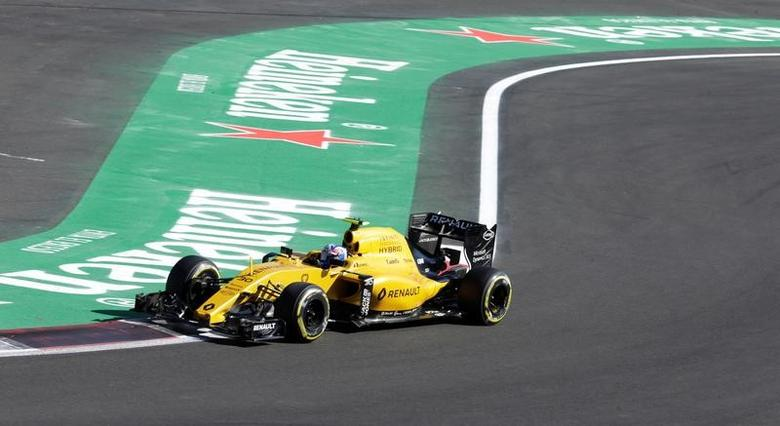 Formula One - F1 - Mexican F1 Grand Prix - Mexico City, Mexico - 29/10/16 - Renault's Jolyon Palmer of Britain in action during the third practice session.  REUTERS/Henry Romero -