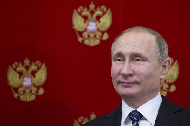 2月14日、米紙ニューヨーク・タイムズ(NYT)は、米当局者の話として、ロシアが新たに地上発射型の巡航ミサイル「SSC8」を実戦配備したと報じた。写真はモスクワのクレムリンで10日撮影(2017年 ロイター)