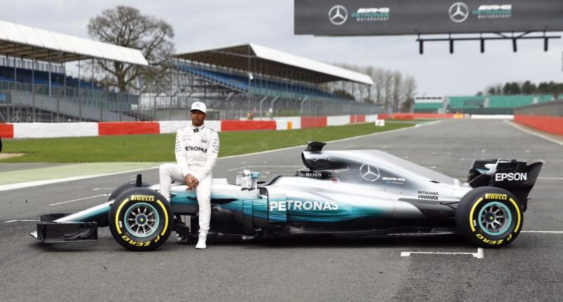 Hamilton hails 'awesome' new Mercedes
