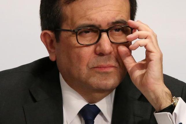 2月27日、メキシコのグアハルド経済相は、米国が輸入課税を提案すれば、NAFTA交渉を打ち切るとけん制した。写真はメキシコ市で1日撮影(2017年 ロイター/Edgard Garrido)