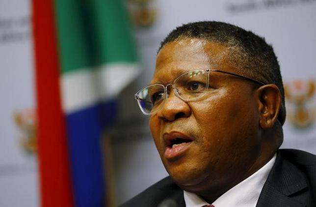 South African Sports Minister Fikile Mbalula addresses a media conference in Cape Town, March 17, 2016.  REUTERS/Mike Hutchings/Files