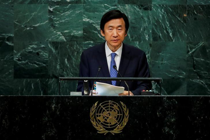 South Korean Minister for Foreign Affairs Yun Byung-se addresses the United Nations General Assembly in the Manhattan borough of New York, U.S., September 22, 2016.  REUTERS/Eduardo Munoz