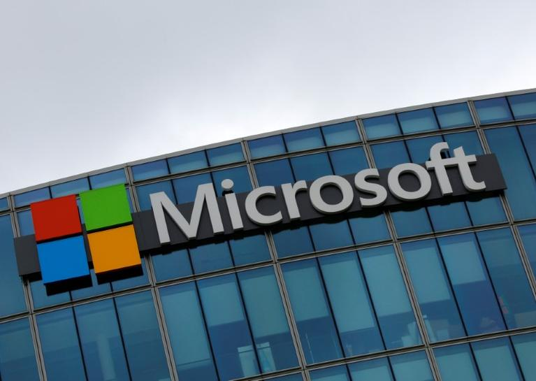 Microsoft Outlook Service Hit by Outage