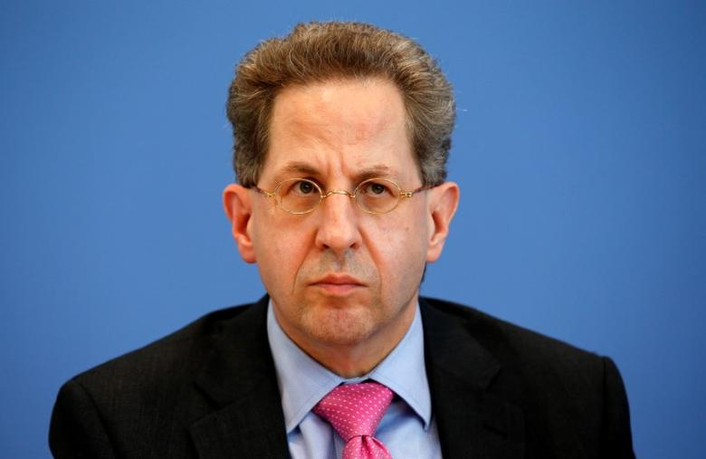 Hans-Georg Maassen, Germany's head of the German Federal Office for the Protection of the Constitution (Bundesamt fuer Verfassungsschutz) addresses a news conference to introduce the agency's 2015 report on threats to the constitution in Berlin, Germany, June 28, 2016. REUTERS/Fabrizio Bensch/Files