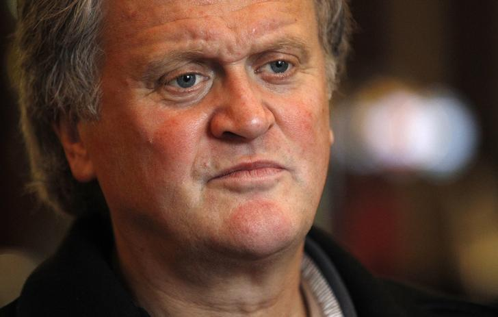 Tim Martin, chairman and founder of pubs group Wetherspoon, attends an interview with Reuters at the Metropolitan Bar in London January 13, 2012. REUTERS/Suzanne Plunkett