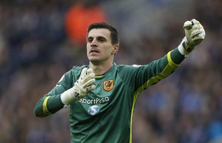 Britain Soccer Football - Leicester City v Hull City - Premier League - King Power Stadium - 4/3/17 Hull City's Eldin Jakupovic celebrates after Sam Clucas scores their first goal  Action Images via Reuters / Matthew Childs