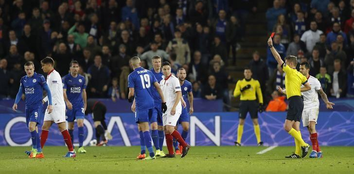 Britain Soccer Football - Leicester City v Sevilla - UEFA Champions League Round of 16 Second Leg - King Power Stadium, Leicester, England - 14/3/17 Sevilla's Samir Nasri is shown a red card by referee Daniele Orsato Action Images via Reuters / Carl Recine Livepic