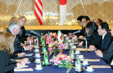 日米外相、対北朝鮮で圧力強化