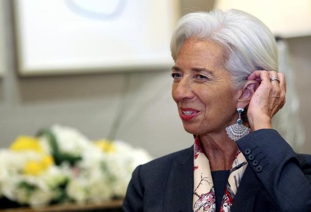 3月16日、国際通貨基金(IMF)のラガルド専務理事は、保護主義を掲げる新しい政府指導者は国際組織がどのように機能するかを学ぶ時間を必要としていると述べた。写真は2月ドバイで行われたロイターとのインタビューで撮影(2017年 ロイター)