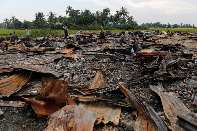 The ruins of a market which was set on fire are seen at a Rohingya village outside Maugndaw in Rakhine state, Myanmar October 27, 2016. Picture taken October 27, 2016.  REUTERS/Soe Zeya Tun