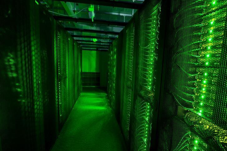 FILE PHOTO -  Servers for data storage are seen at Advania's Thor Data Center in Hafnarfjordur, Iceland August 7, 2015.   REUTERS/Sigtryggur Ari/File Photo
