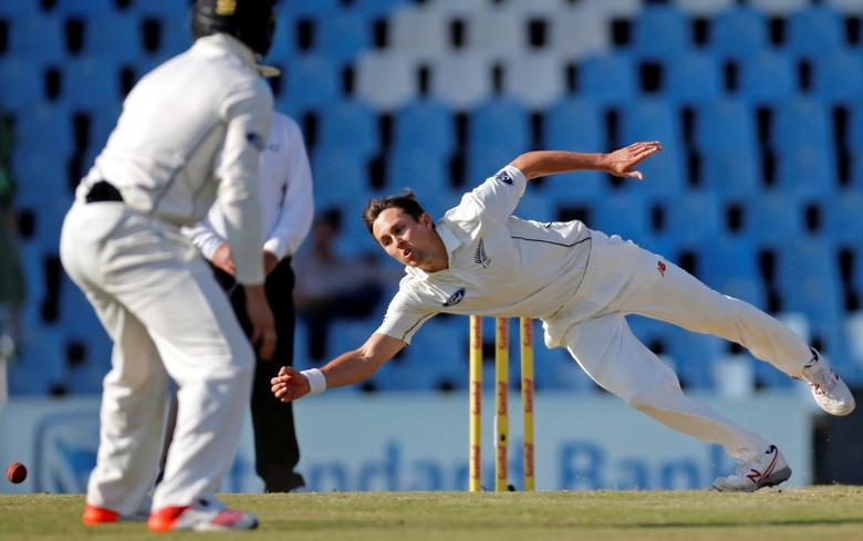 Cricket - New Zealand v South Africa - second cricket test match - Centurion Park, Centurion, South Africa - 29/8/2016. New Zealand's Trent Boult attempts to field the ball. REUTERS/Siphiwe Sibeko