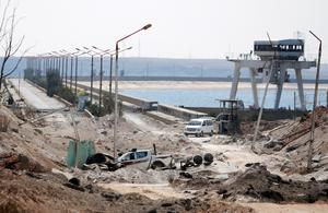 Fighting for control of Syria's Tabqa dam