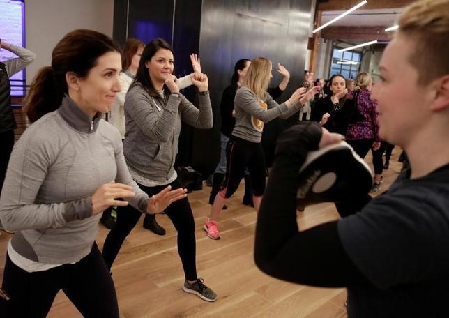 3月28日、米シアトルで、自分をレイプしようとした男を撃退した36歳の女性が火付け役となり、女性向け護身術講座の人気が急上昇している(2018年 ロイター/Jason Redmond)