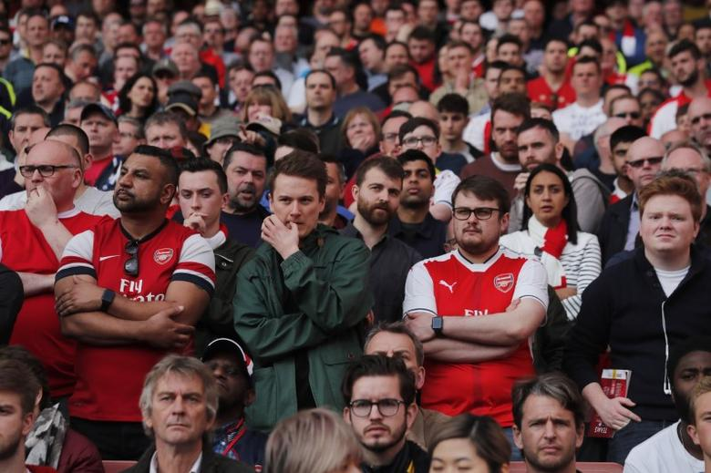 Britain Football Soccer - Arsenal v Manchester City - Premier League - Emirates Stadium - 2/4/17 Arsenal fans Reuters / Eddie Keogh Livepic