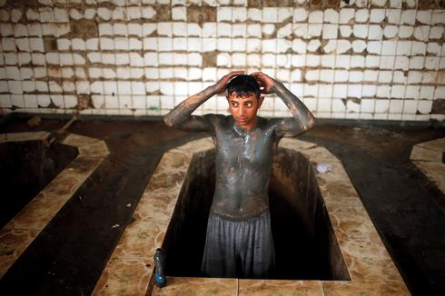 Hot springs spa reopens amid Mosul chaos