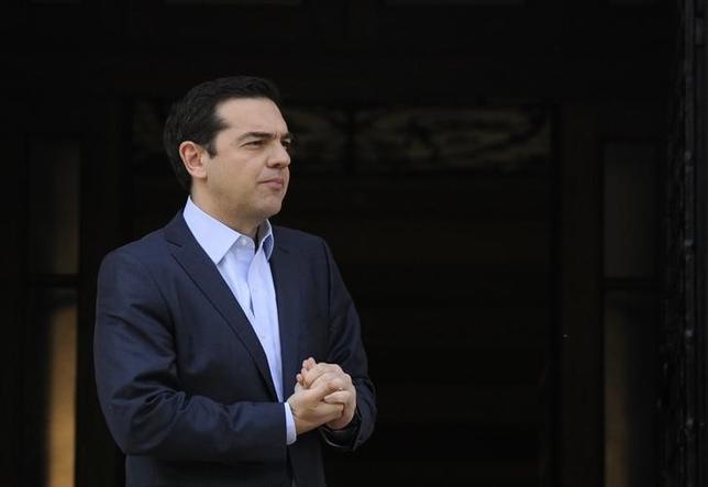 4月5日、ギリシャのチプラス首相は、7日のユーロ圏財務相会合で救済策で合意すべきとの見解を示した。写真はアテネで撮影(2017年 ロイター/Michalis Karagiannis)