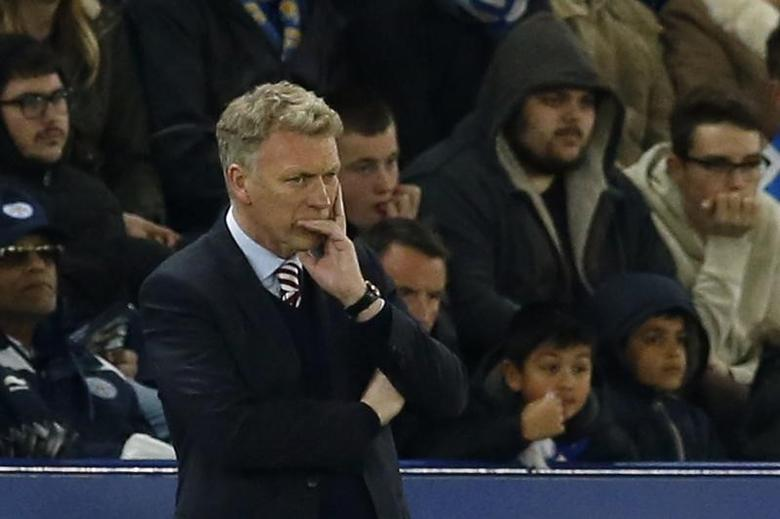 Britain Football Soccer - Leicester City v Sunderland - Premier League - King Power Stadium - 4/4/17 Sunderland manager David Moyes looks dejected  Action Images via Reuters / Andrew Boyers Livepic