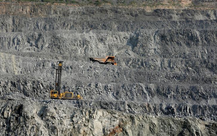 2016年8月17日, 俄罗斯Novoangarsk附近的一处铅锌矿。REUTERS/Ilya Naymushin