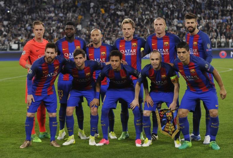 Football Soccer - Juventus v FC Barcelona - UEFA Champions League Quarter Final First Leg - Juventus Stadium, Turin, Italy - 11/4/17 Barcelona team group before the match Reuters / Giorgio Perottino Livepic