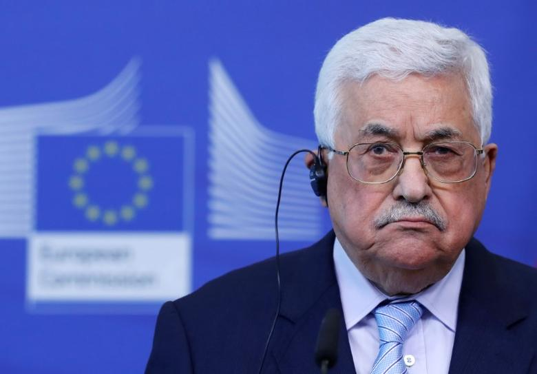 Palestinian President Mahmoud Abbas (L) holds a news conference after a meeting with European Union foreign policy chief Federica Mogherini in Brussels, Belgium, March 27, 2017. REUTERS/Yves Herman