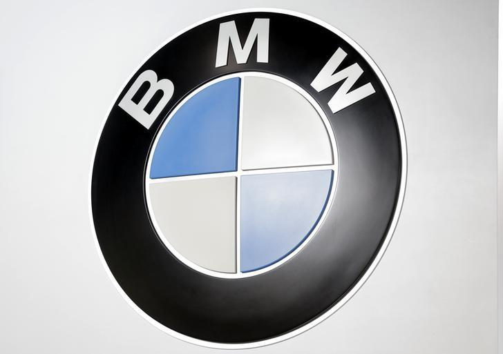 A BMW logo is seen at the 2017 New York International Auto Show in New York City, U.S. April 13, 2017. REUTERS/Lucas Jackson