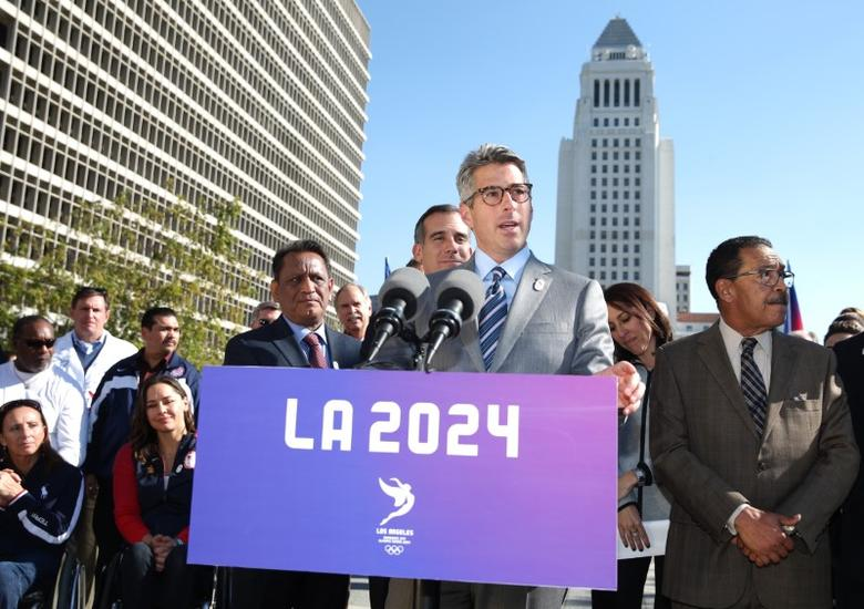 Casey Wasserman, chair of the LA2024 candidature committee speaks at a news conference to annouce the city's final approval to bid for the 2024 Olympic Games, in Los Angeles, California, U.S., January 25, 2017.  REUTERS/Lucy Nicholson