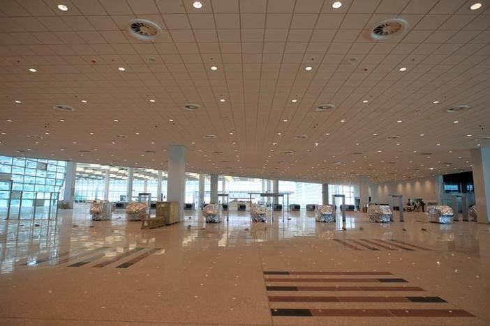 New airport in Islamabad to open in August (http://s1.reutersmedia.net/resources/r/?m=02&d=20170507&t=2&i=1183551254&w=&fh=&fw=&ll=780&pl=468&sq=&r=LYNXMPED46071)