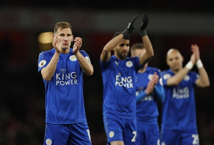 Britain Soccer Football - Arsenal v Leicester City - Premier League - Emirates Stadium - 26/4/17 Leicester City's Marc Albrighton applauds fans after the match Action Images via Reuters / John Sibley/ Livepic/ Files