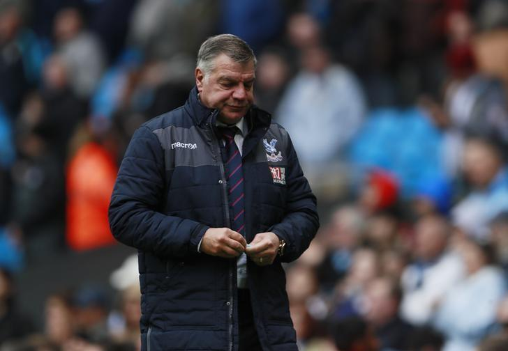 Britain Soccer Football - Manchester City v Crystal Palace - Premier League - Etihad Stadium - 6/5/17 Crystal Palace manager Sam Allardyce looks dejected after the match  Action Images via Reuters / Jason Cairnduff Livepic