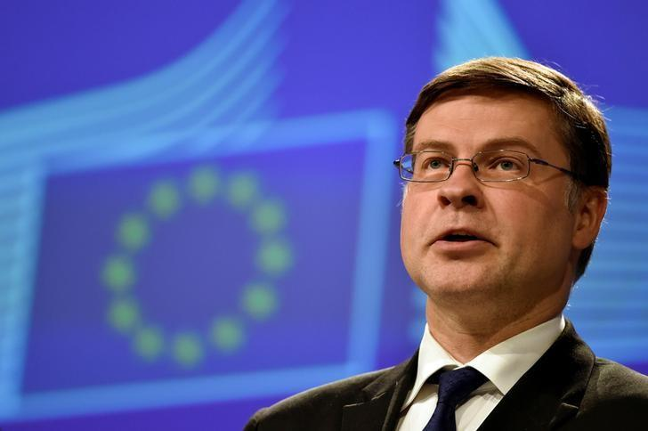 European Commission Vice-President for the Euro and Social Dialogue Valdis Dombrovskis holds a news conference at the European Commission in Brussels, Belgium May 4, 2017. REUTERS/Eric Vidal