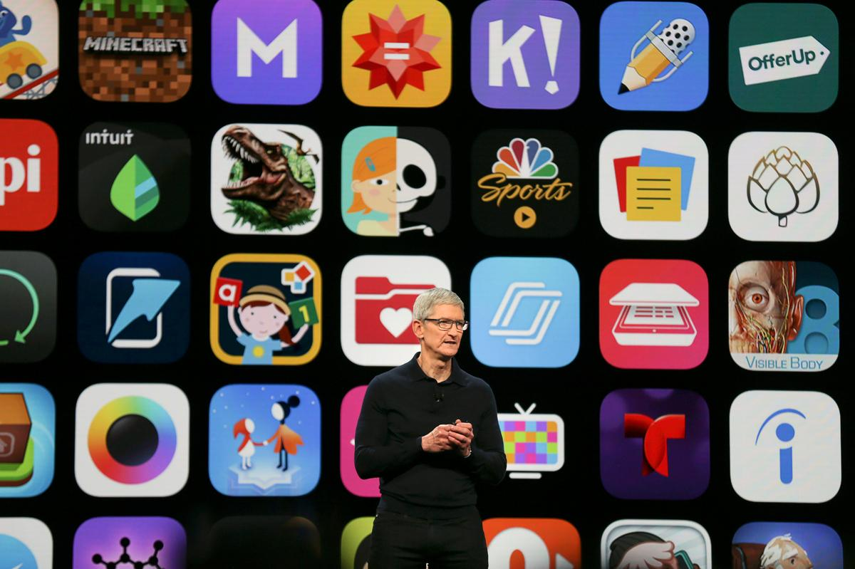 Techmeme: Apple says apps can no longer show an iOS or App Store