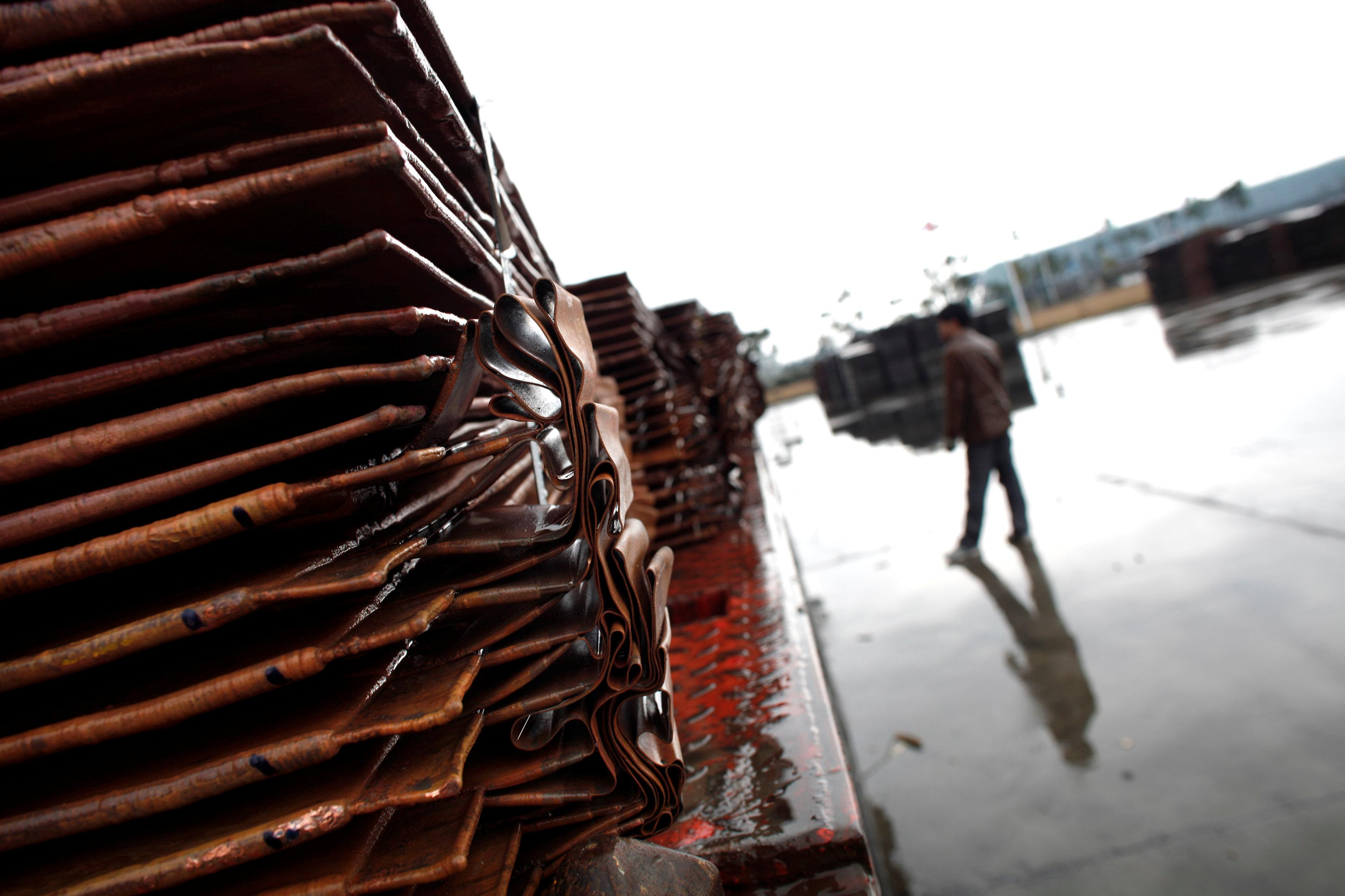 China September copper imports jump on scrap crackdown, open arbitrage window