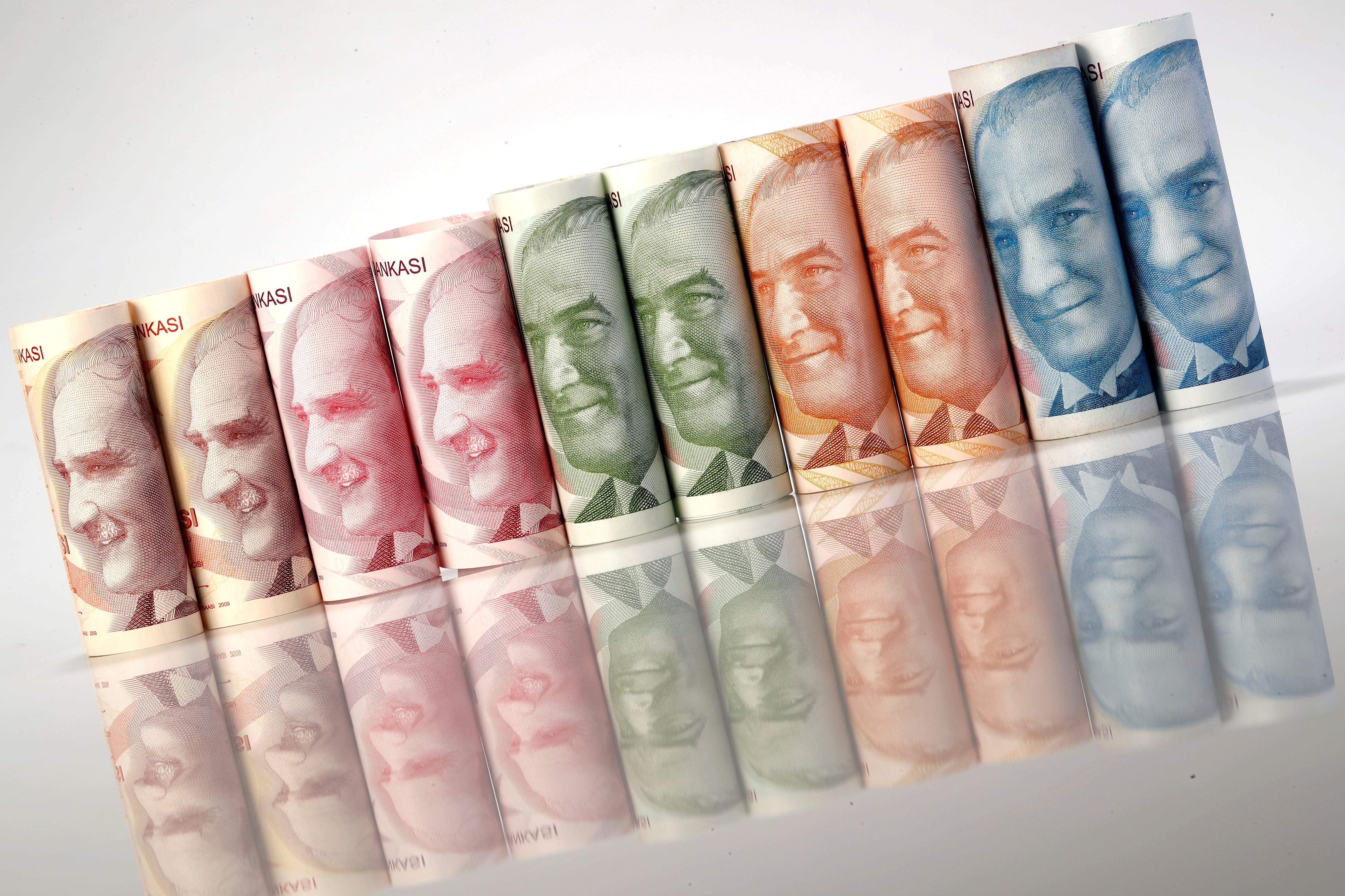 Turkish lira weakens after U.S. halts F-35 equipment offer