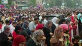 Cairo celebrates Eid with balloons, prayer